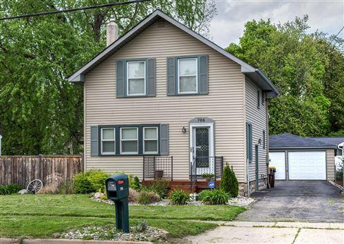 Photo of 706 W Columbia Street, Mason, MI 48854 (MLS # 246926)