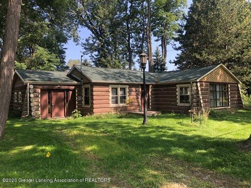 Photo of 514 W Broad Street, Eaton Rapids, MI 48827 (MLS # 249952)