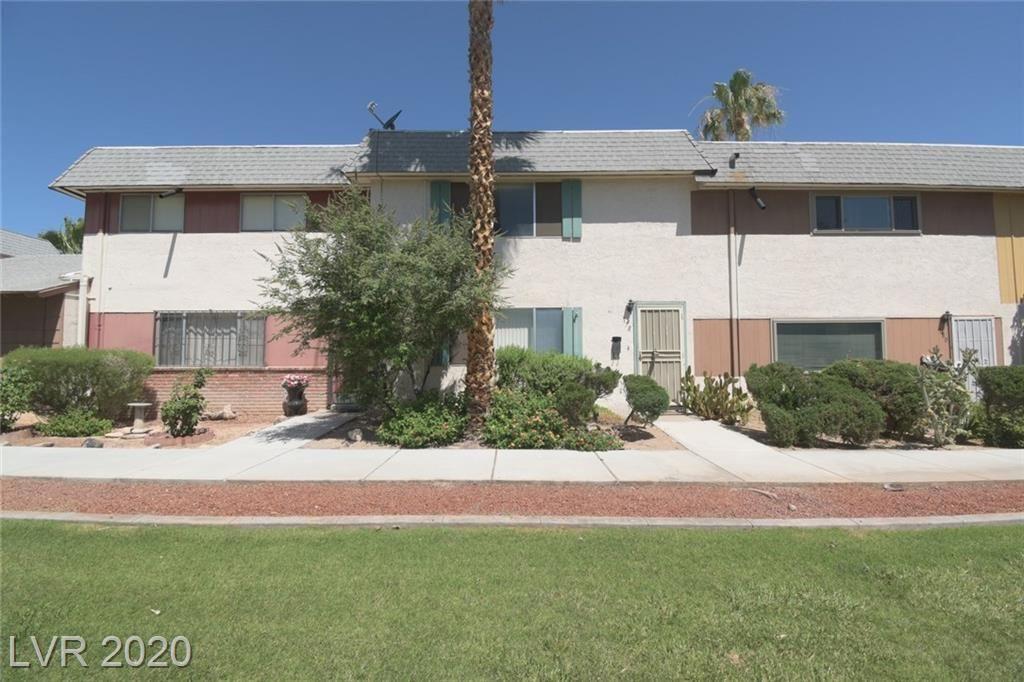 Photo of 178 GREENBRIAR TOWNHOUSE Way, Las Vegas, NV 89121 (MLS # 2206017)