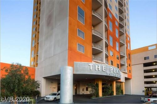 Photo of 211 Flamingo Road #1402, Las Vegas, NV 89169 (MLS # 2212036)