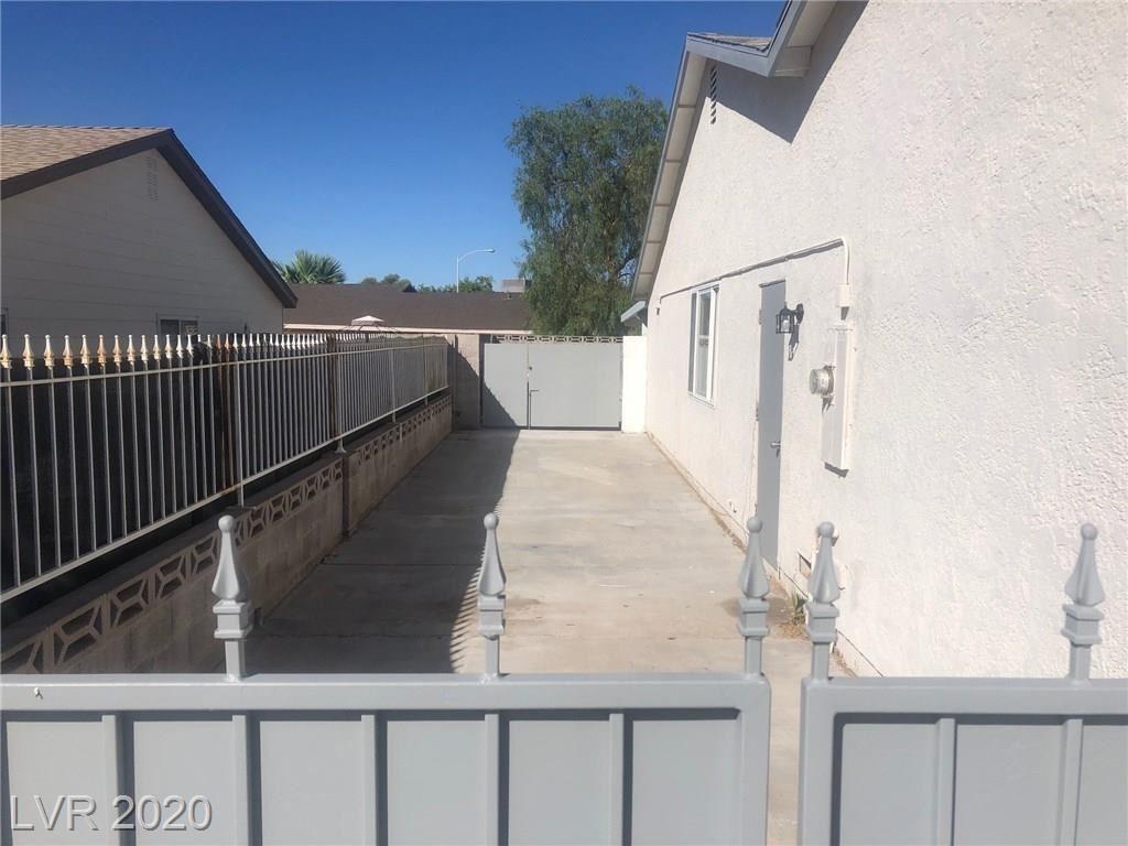 Photo of 1335 Saddle Lane, Boulder City, NV 89005 (MLS # 2213048)