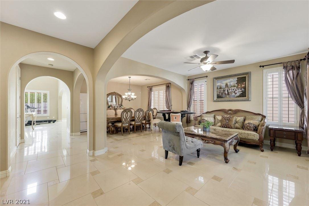 Photo of 936 White Feather Lane, Las Vegas, NV 89138 (MLS # 2331051)