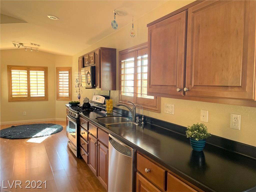 Photo of 2298 Chestnut Ranch Avenue, Henderson, NV 89052 (MLS # 2334055)