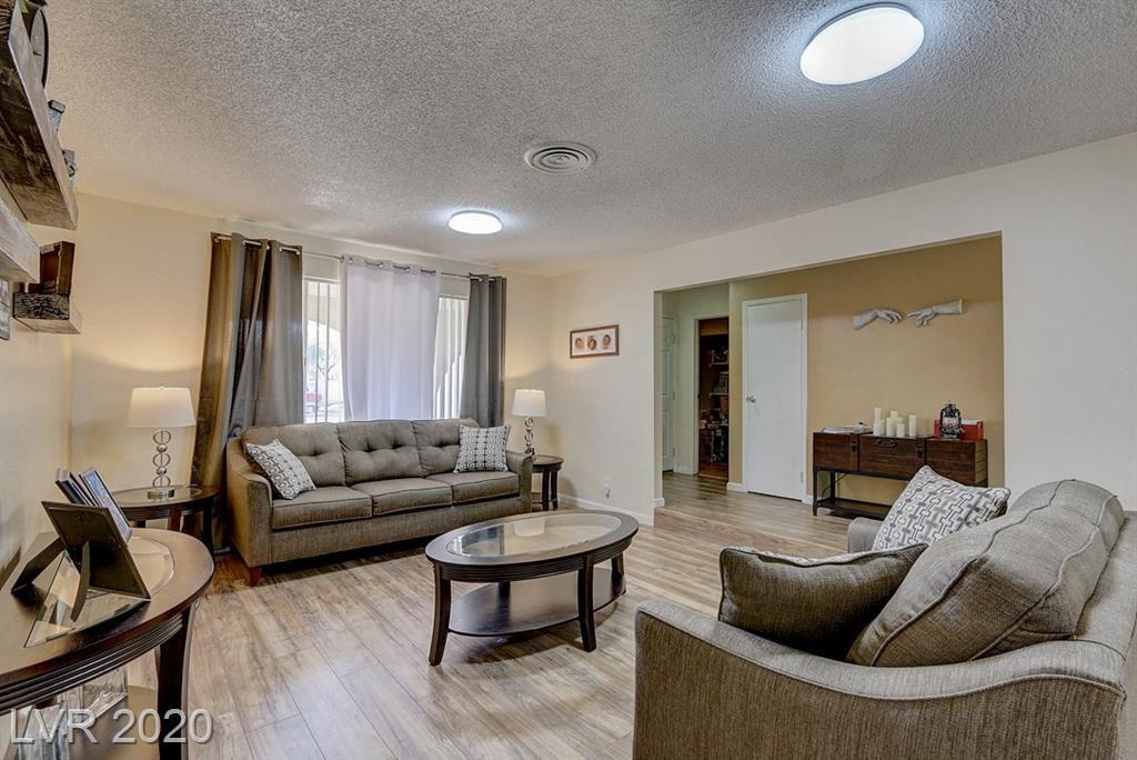 Photo of 5720 Bartlett Ave, Las Vegas, NV 89108 (MLS # 2184062)