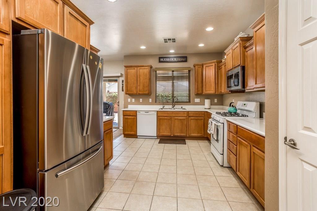 Photo of 6031 Orlov Trotter Avenue, Las Vegas, NV 89122 (MLS # 2201066)