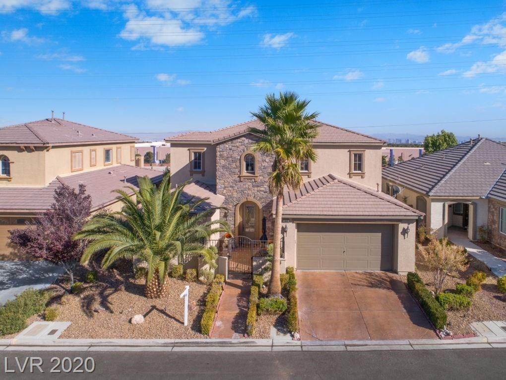 Photo of 940 Hickory Park Street, Las Vegas, NV 89138 (MLS # 2203092)