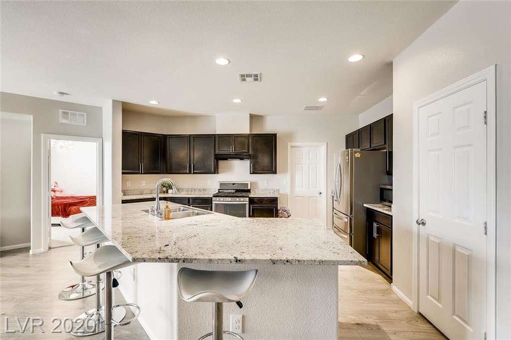 Photo of 6245 Silver Bank Street, North Las Vegas, NV 89031 (MLS # 2229096)
