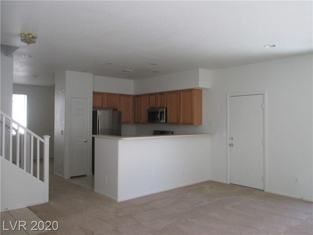 Photo of 9933 Fountain Walk Avenue, Las Vegas, NV 89149 (MLS # 2212138)
