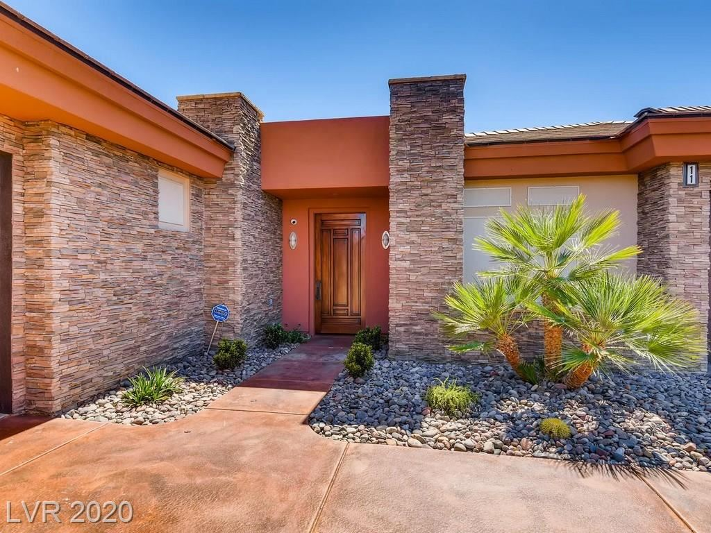 Photo of 11 Cross Ridge Street, Las Vegas, NV 89135 (MLS # 2212172)