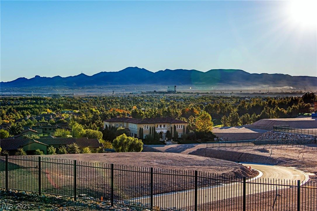 Photo of 5 Oakmont Hills Lane, Las Vegas, NV 89141 (MLS # 2264193)