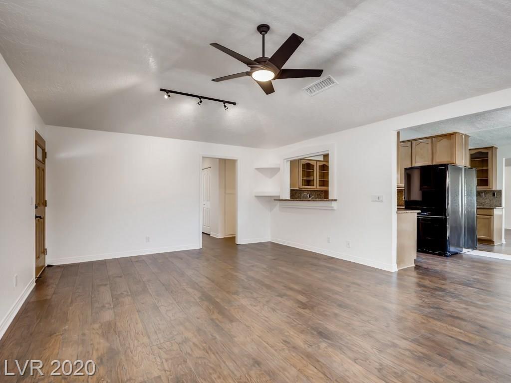 Photo of 260 Shadybrook Lane #A, Las Vegas, NV 89107 (MLS # 2210194)