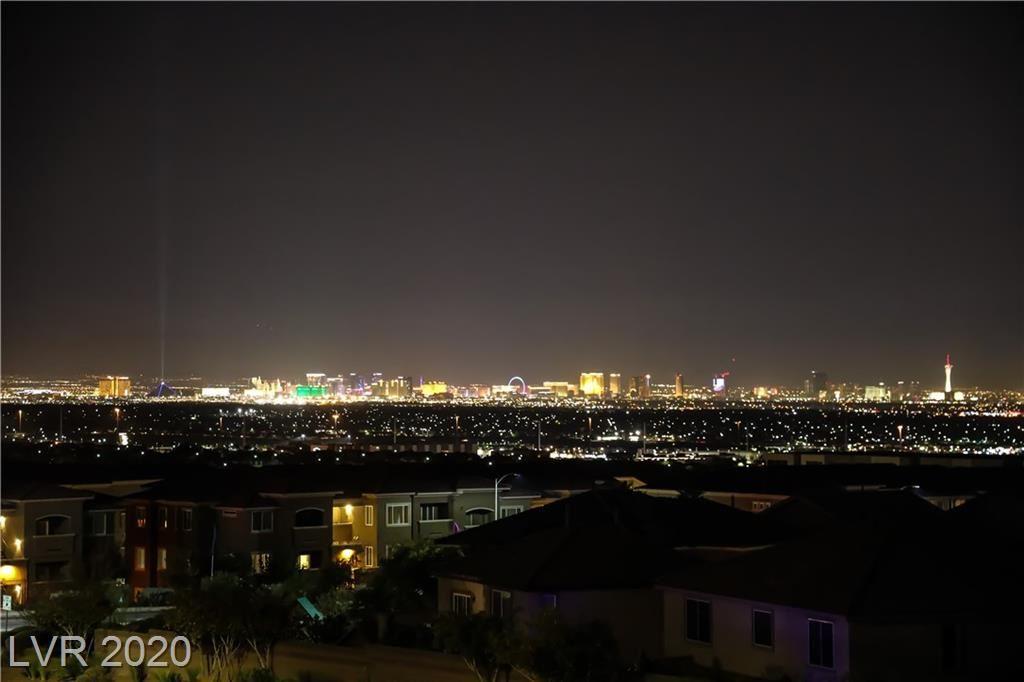 Photo of 956 Twilight Peak Avenue, Henderson, NV 89012 (MLS # 2238194)