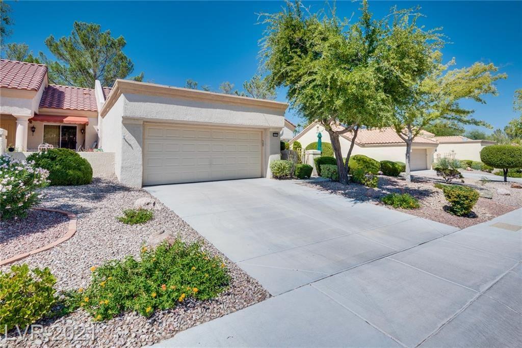 Photo of 2725 Crown Ridge Drive, Las Vegas, NV 89134 (MLS # 2332211)