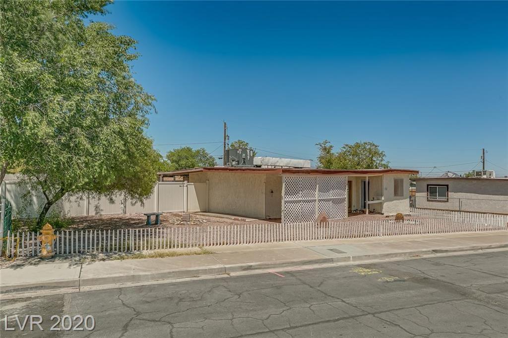 Photo of 354 Nebraska Avenue, Henderson, NV 89015 (MLS # 2220240)