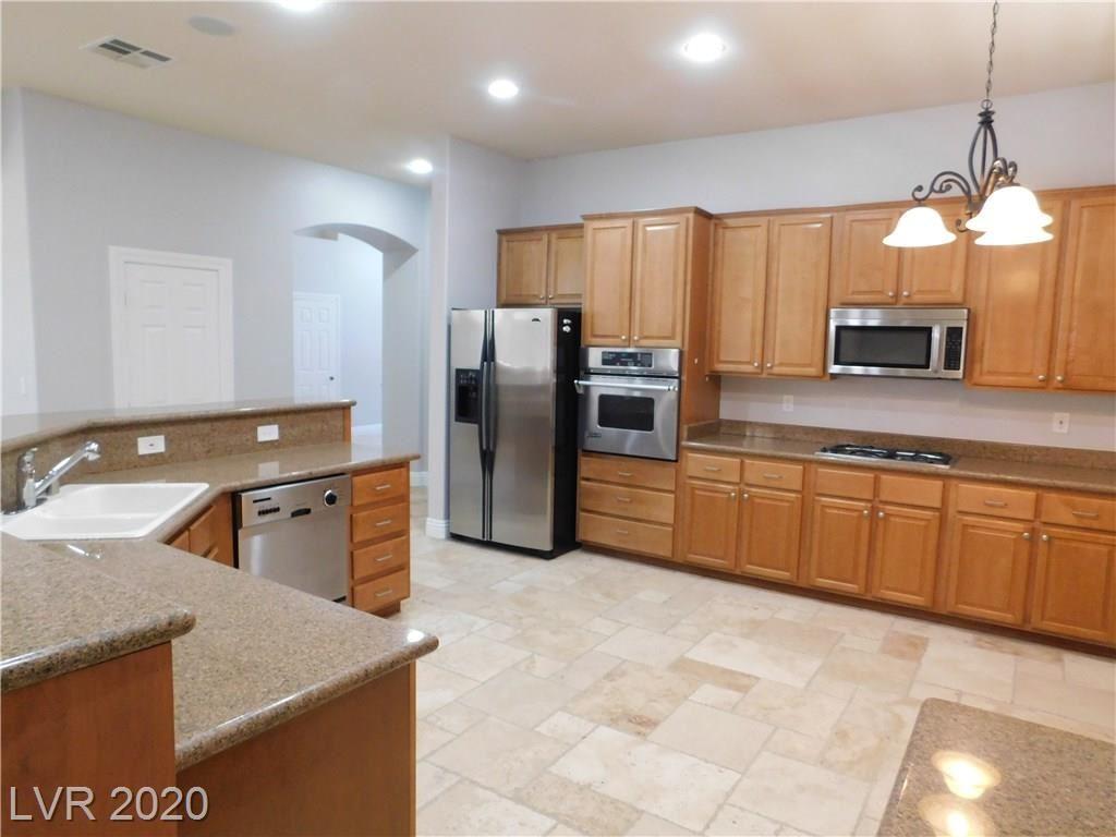 Photo of 1422 ANTIENNE Drive, Las Vegas, NV 89052 (MLS # 2201258)