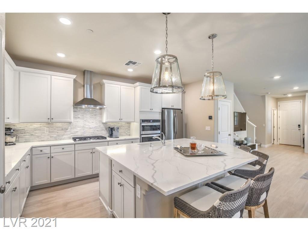 Photo of 3201 McKenna Dawn Avenue, Henderson, NV 89044 (MLS # 2283268)