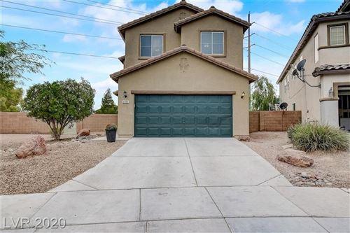 Photo of 3205 Edinboro Ridge Avenue, North Las Vegas, NV 89081 (MLS # 2233300)