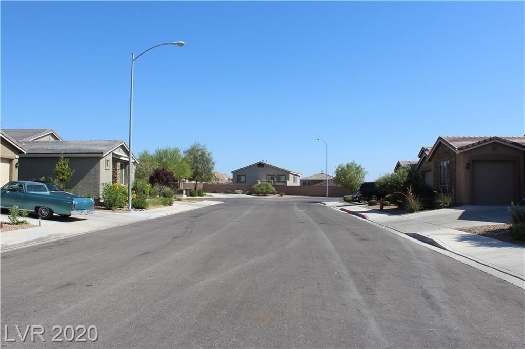 Photo of 707 Flaming Cliffs Court, Henderson, NV 89014 (MLS # 2209304)
