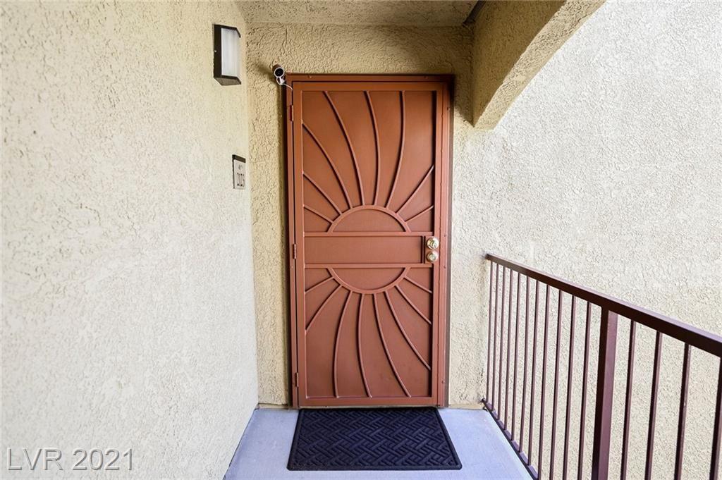 Photo of 950 Seven Hills Drive #2123, Henderson, NV 89052 (MLS # 2285311)
