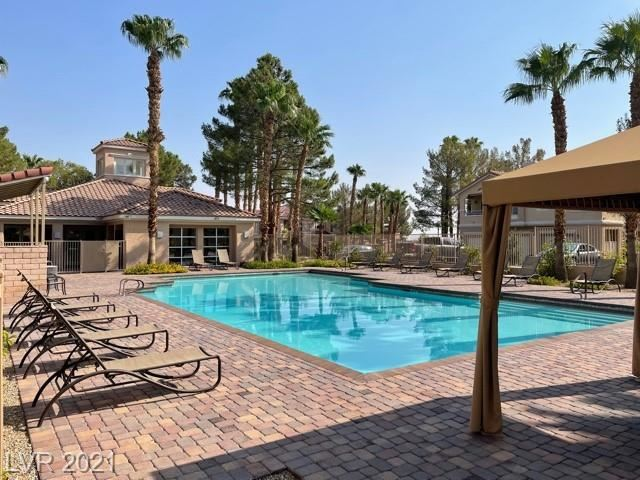 Photo of 251 South Green Valley Parkway #4222, Henderson, NV 89012 (MLS # 2325315)