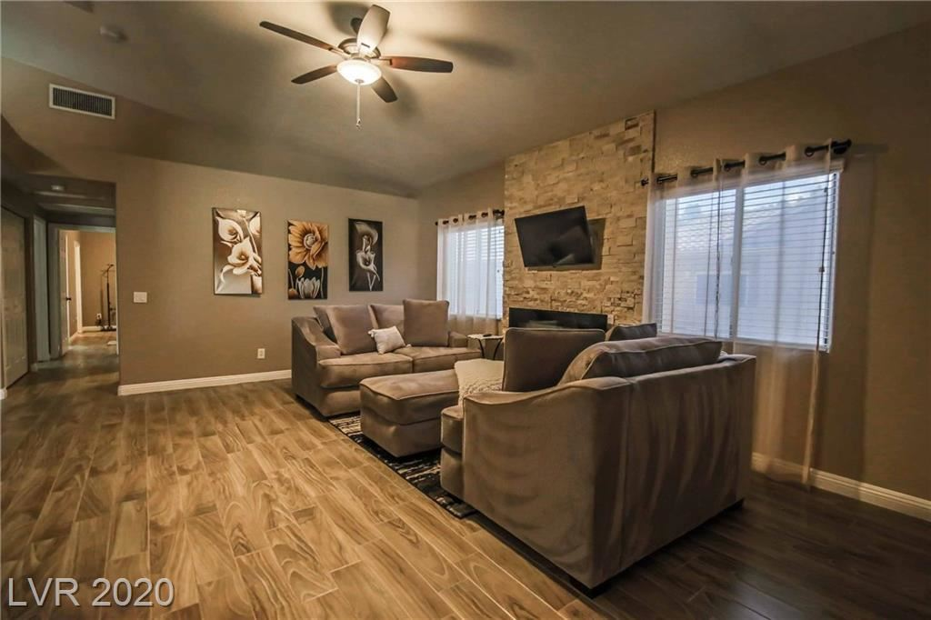 Photo of 2000 Turquoise Ridge #204, Las Vegas, NV 89117 (MLS # 2184318)
