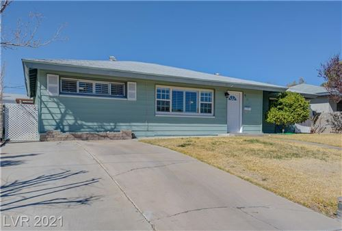 Photo of 556 7th Street, Boulder City, NV 89005 (MLS # 2274322)