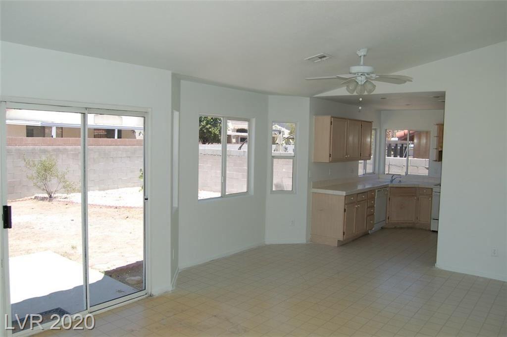 Photo of 516 Stonehurst Drive, North Las Vegas, NV 89031 (MLS # 2212327)