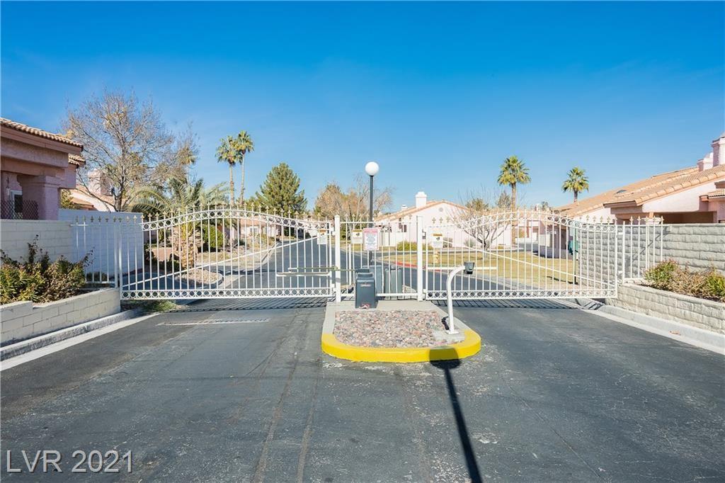 Photo of 585 Cervantes Drive, Henderson, NV 89014 (MLS # 2261327)