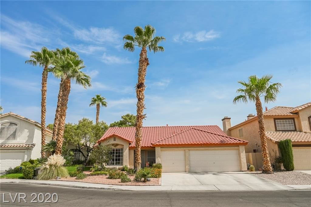 Photo of 2018 Shadow Brook Way, Henderson, NV 89074 (MLS # 2232330)