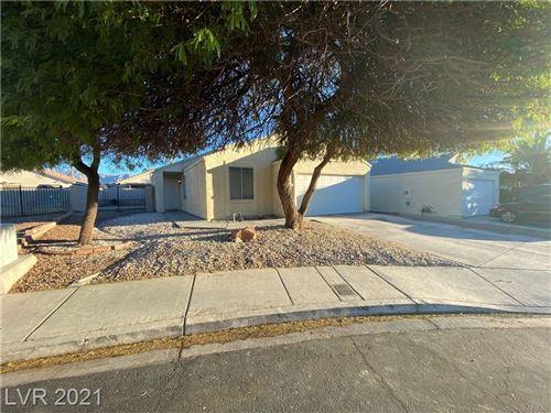 Photo of 724 Roberta Alecia Avenue, North Las Vegas, NV 89031 (MLS # 2344348)