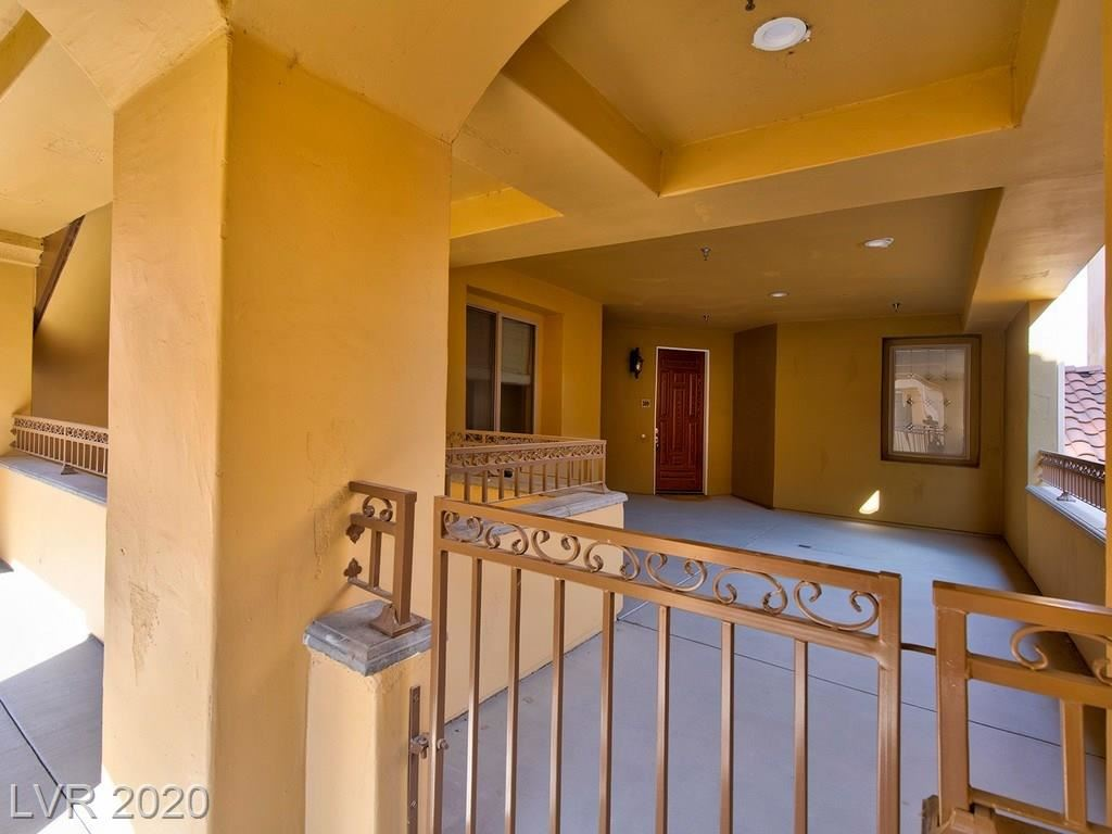 Photo of 30 VIA MANTOVA #309, Henderson, NV 89011 (MLS # 2221359)