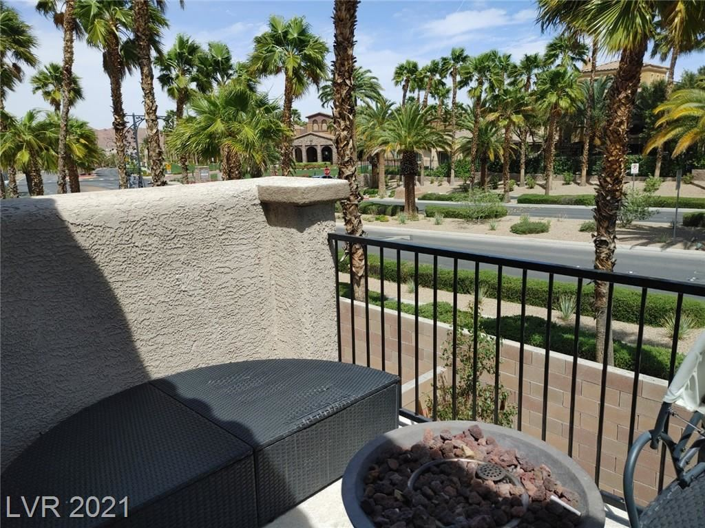 Photo of 848 Via Del Castello, Henderson, NV 89011 (MLS # 2292363)