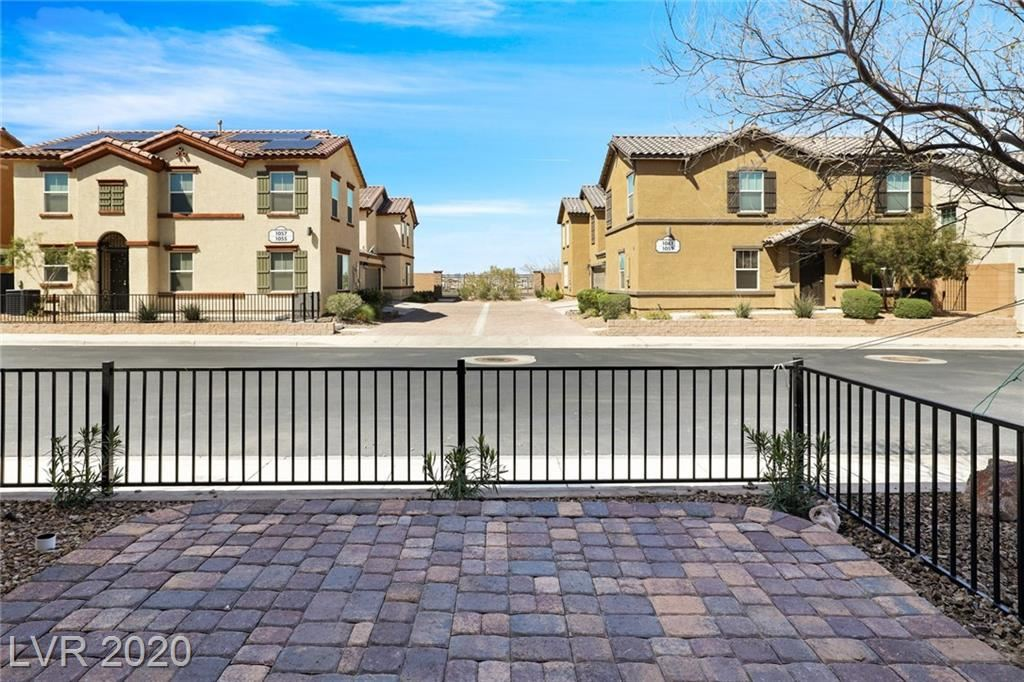 Photo of 1056 Spotted Saddle Street, Henderson, NV 89015 (MLS # 2186386)