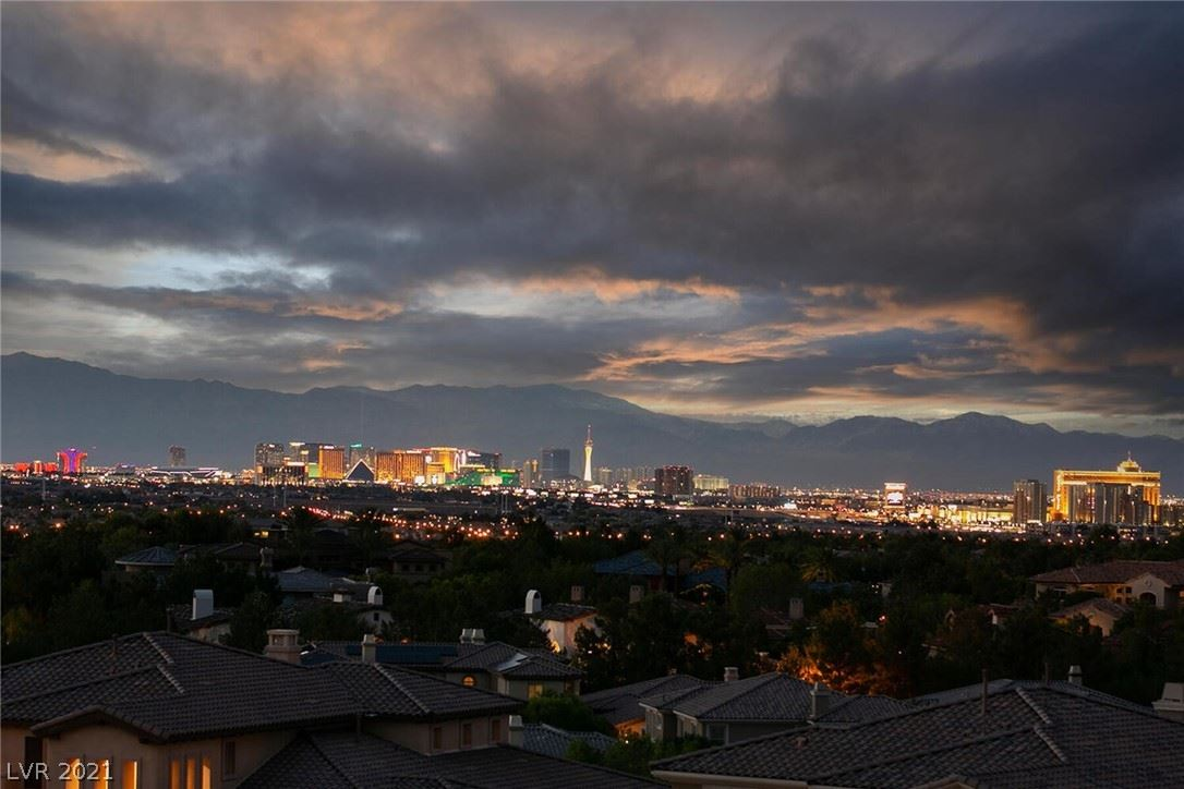 Photo of 28 Olympia Chase Drive, Las Vegas, NV 89141 (MLS # 2319405)