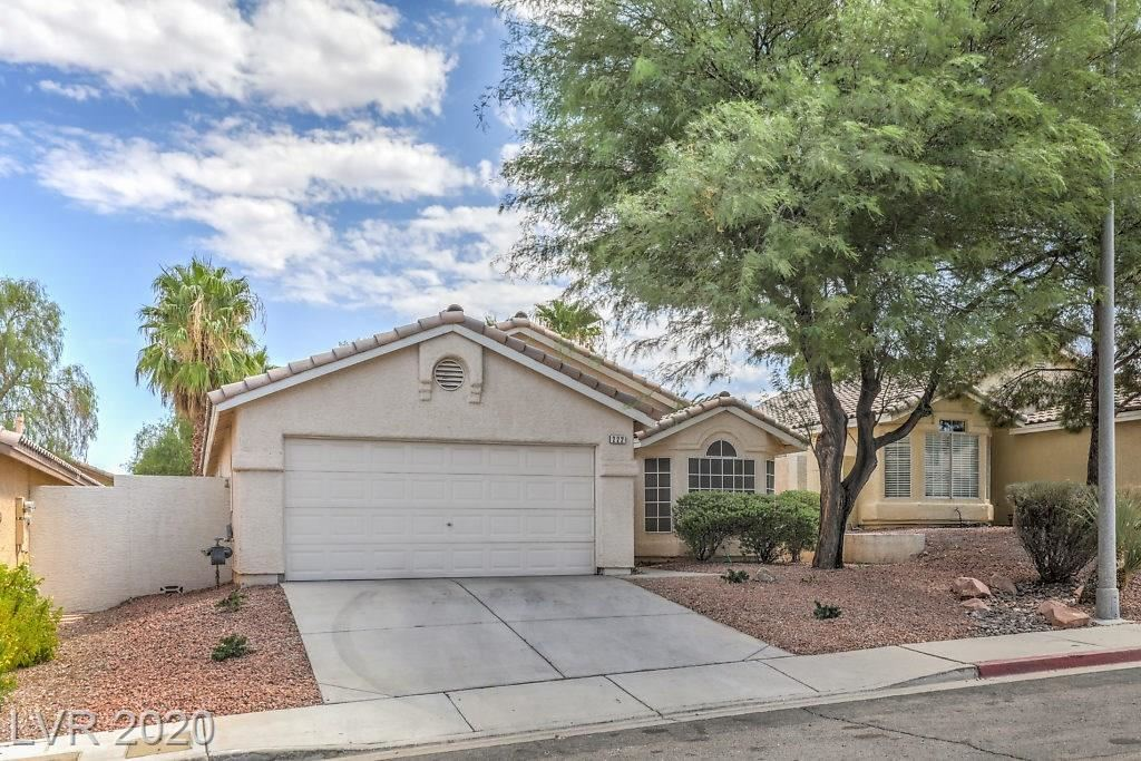 Photo of 222 Cimarron Village Way, Henderson, NV 89012 (MLS # 2229411)