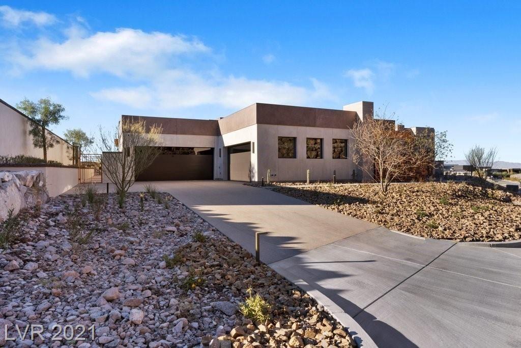 Photo of 21 Boulderback Drive, Henderson, NV 89012 (MLS # 2261417)