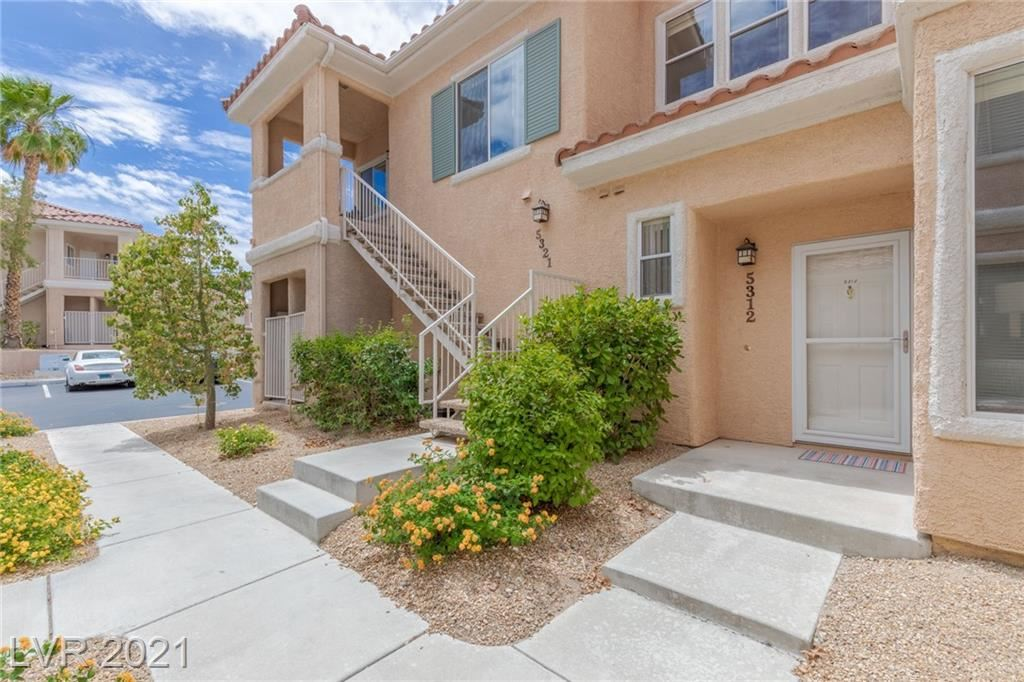 Photo of 251 South Green Valley Parkway #5312, Henderson, NV 89012 (MLS # 2304420)