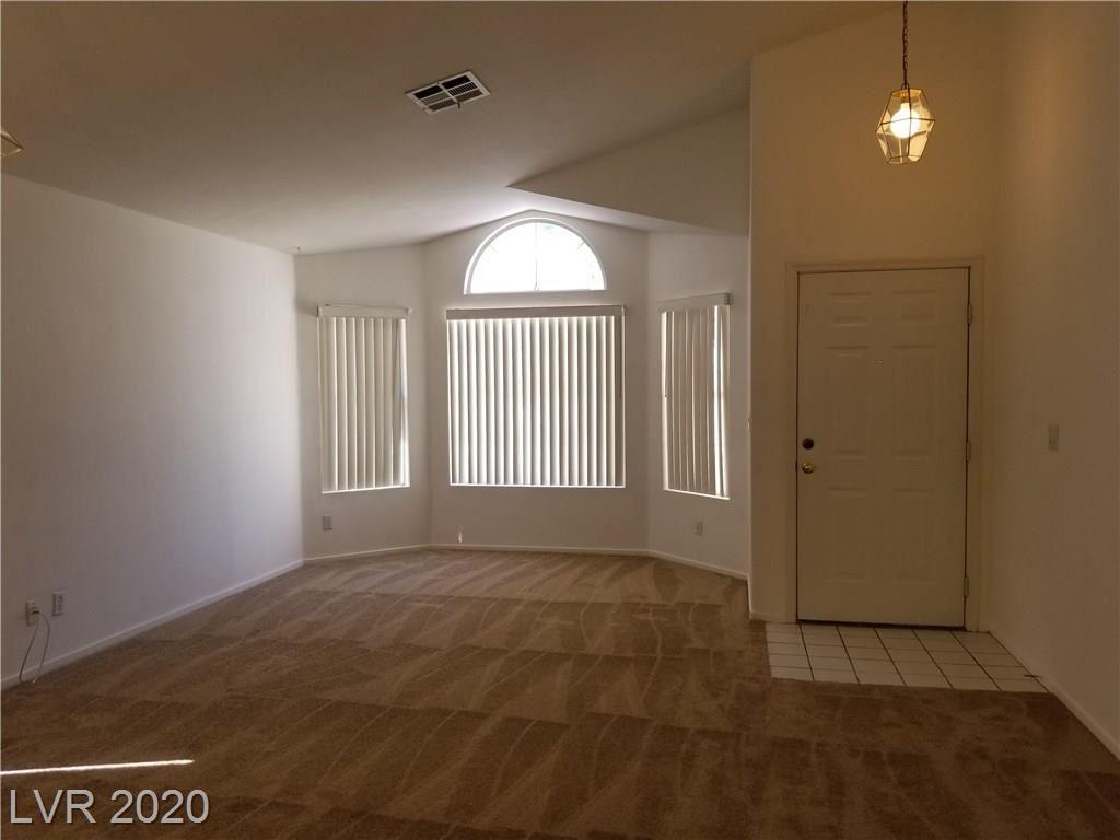 Photo of 2104 Cimarron Hill Drive, Henderson, NV 89074 (MLS # 2230425)