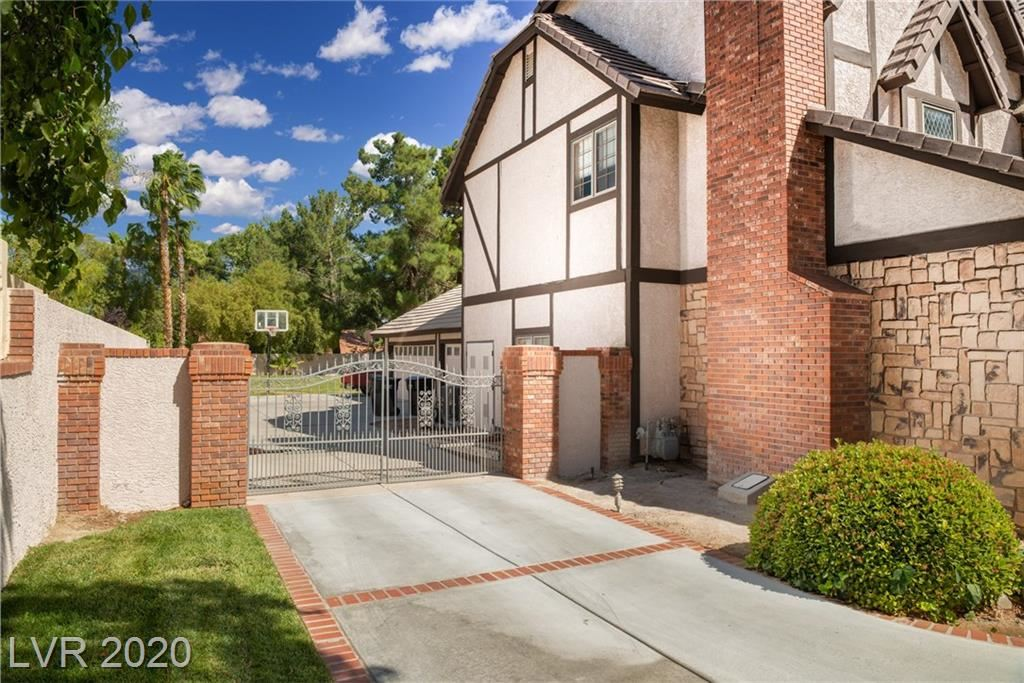Photo of 30 Quail Hollow Drive, Henderson, NV 89014 (MLS # 2209436)