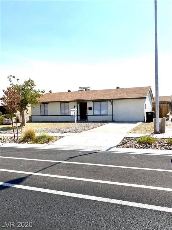 Photo of 932 Center Street, Henderson, NV 89015 (MLS # 2218448)