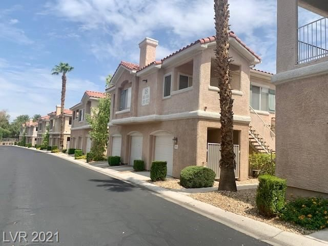 Photo of 251 South Green Valley Parkway #2421, Henderson, NV 89012 (MLS # 2333499)