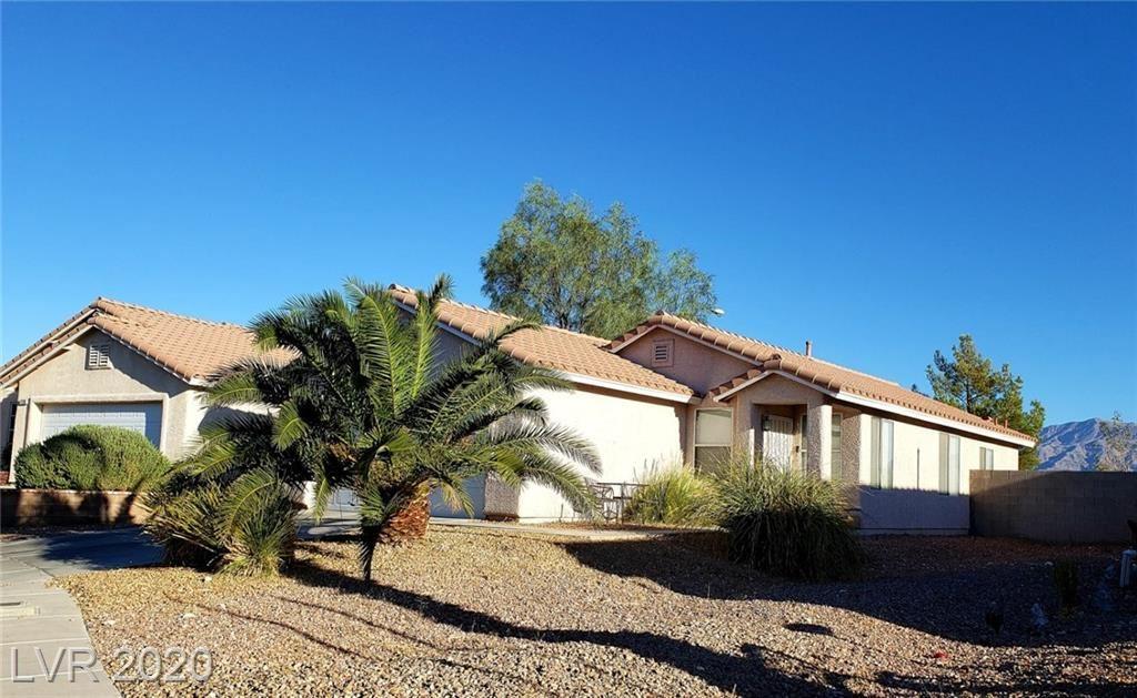 Photo of 722 Ana Raquel Avenue, North Las Vegas, NV 89031 (MLS # 2229502)