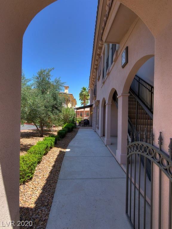 Photo of 10 Via Vasari #101, Henderson, NV 89011 (MLS # 2206503)