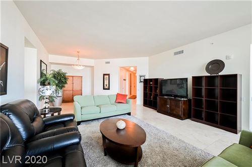 Photo of 2777 PARADISE Road #3004, Las Vegas, NV 89109 (MLS # 2223526)