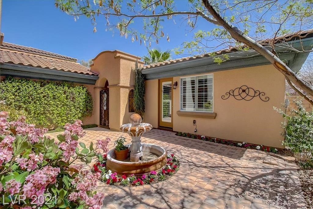 Photo of 943 Serena Veneda Lane, Las Vegas, NV 89138 (MLS # 2284526)