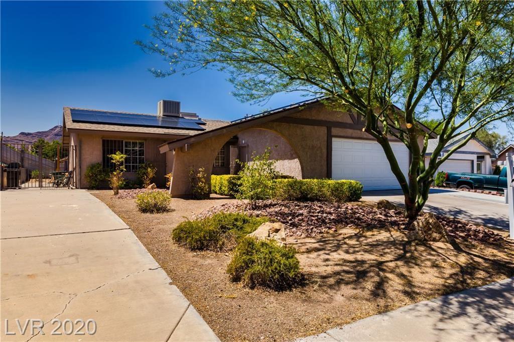 Photo of 423 Sunburst Drive, Henderson, NV 89002 (MLS # 2210529)