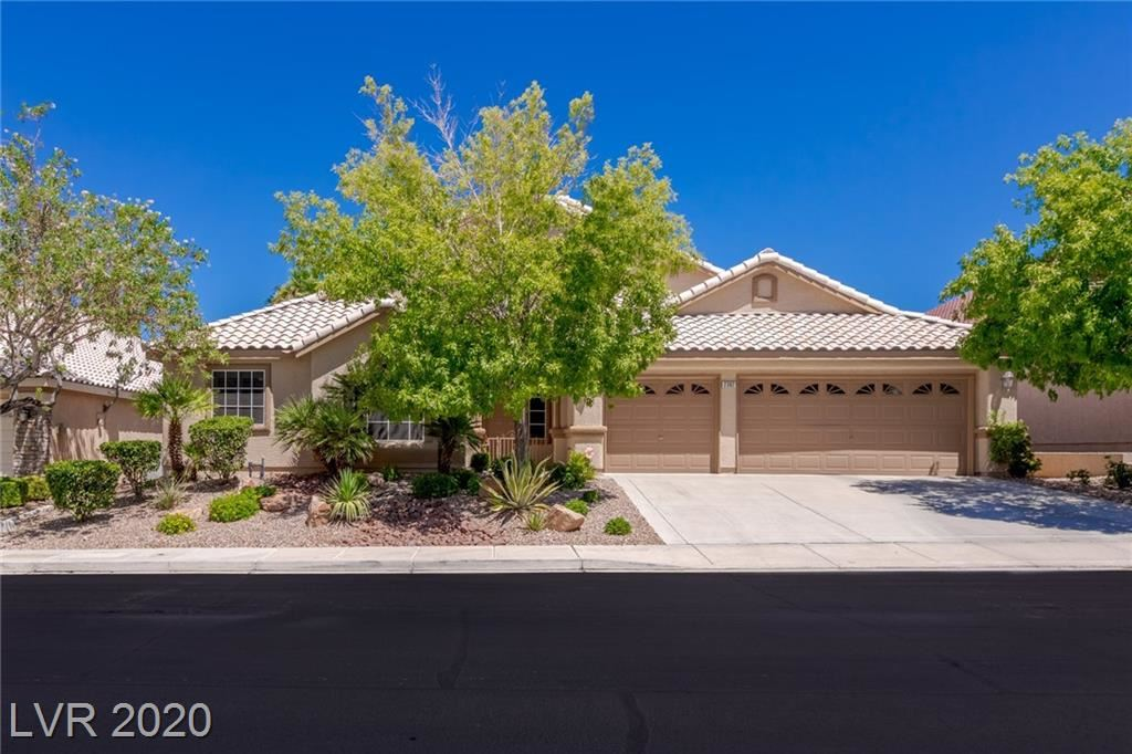 Photo of 2382 Goldfire Circle, Henderson, NV 89052 (MLS # 2218532)