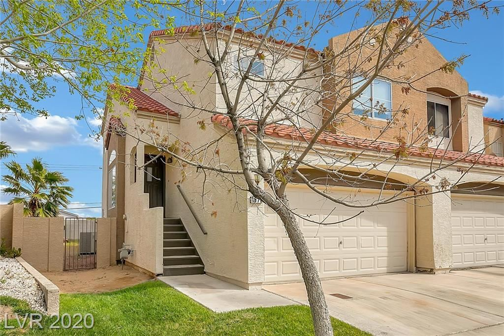 Photo of 1672 Cloister, Henderson, NV 89014 (MLS # 2186536)