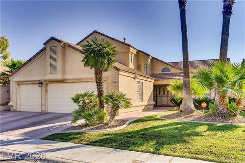 Photo of 3004 Donnegal Bay Drive, Las Vegas, NV 89117 (MLS # 2234575)