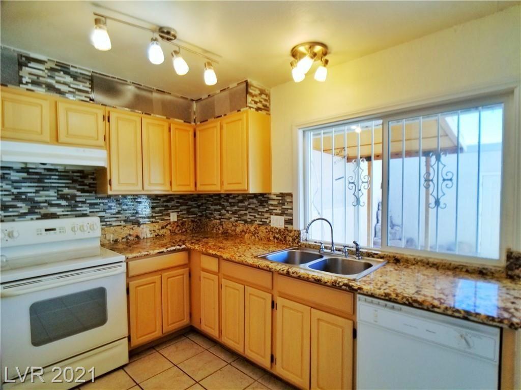 Photo of 3111 CHADFORD Place, Las Vegas, NV 89102 (MLS # 2334585)